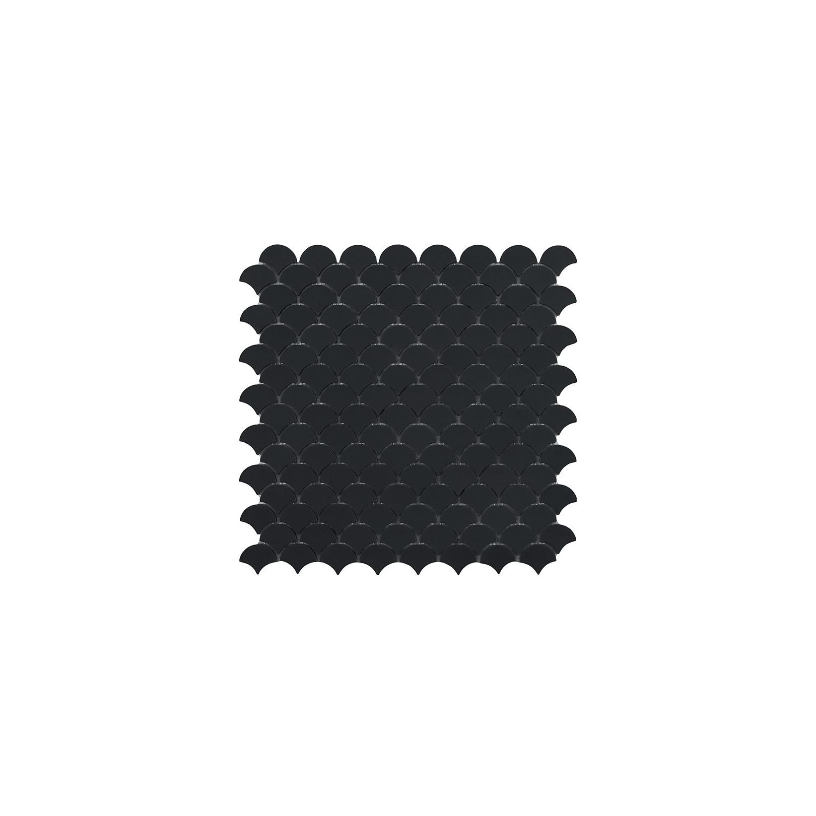 Mosaïque Soul écaille 3,6x2,9cm black (noir) mat sur trame nylon 32,4x31,7cm