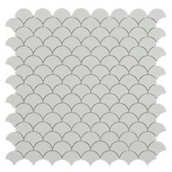 Mosaïque Soul écaille 3,6x2,9cm Light Grey (gris clair) mat sur trame nylon 32,4x31,7cm