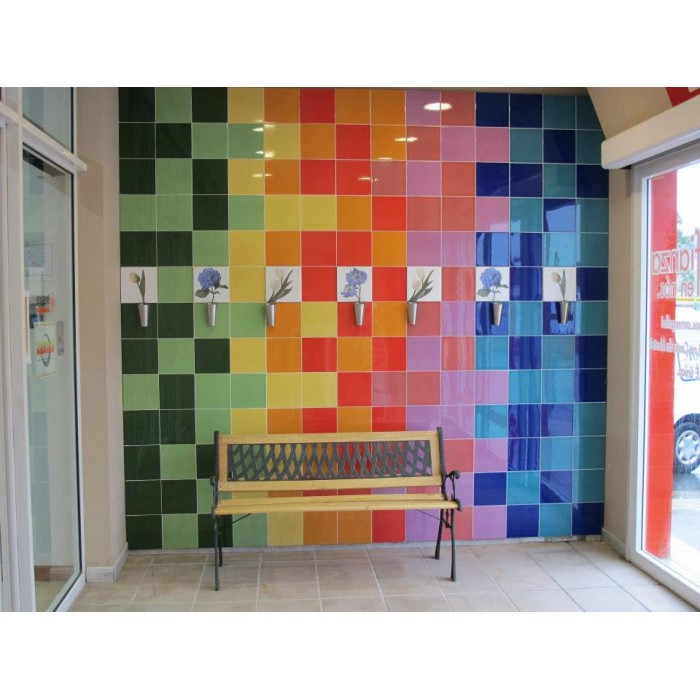 Carrelage mural faience chroma brillant couleur uni for Finition carrelage mural