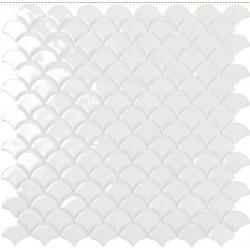 Mosaïque Soul écaille 3,6x2,9cm blanc brillant sur trame nylon 33,2x33,2cm